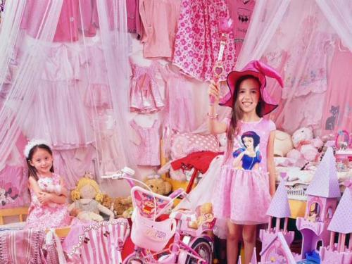 Foto credit: Korea; The Pink and Blue Projects; JeongMee Yoon; 2006-2008